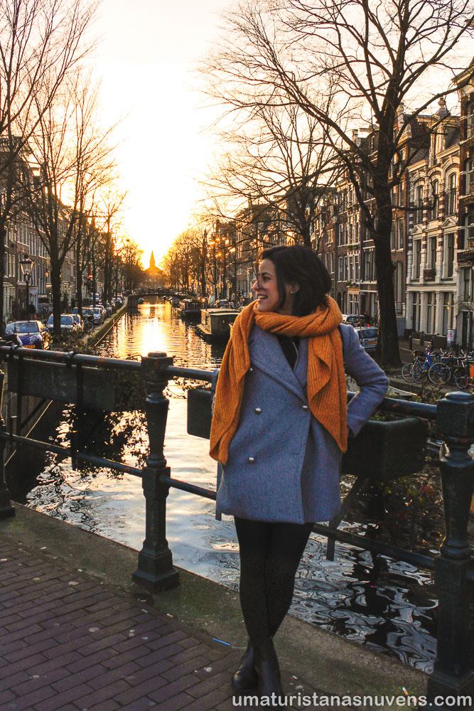 Canal no bairro Jordaan em Amsterdam