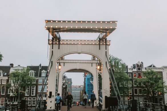 Passeios gratuitos em Amsterdam - ponte Magere Brug