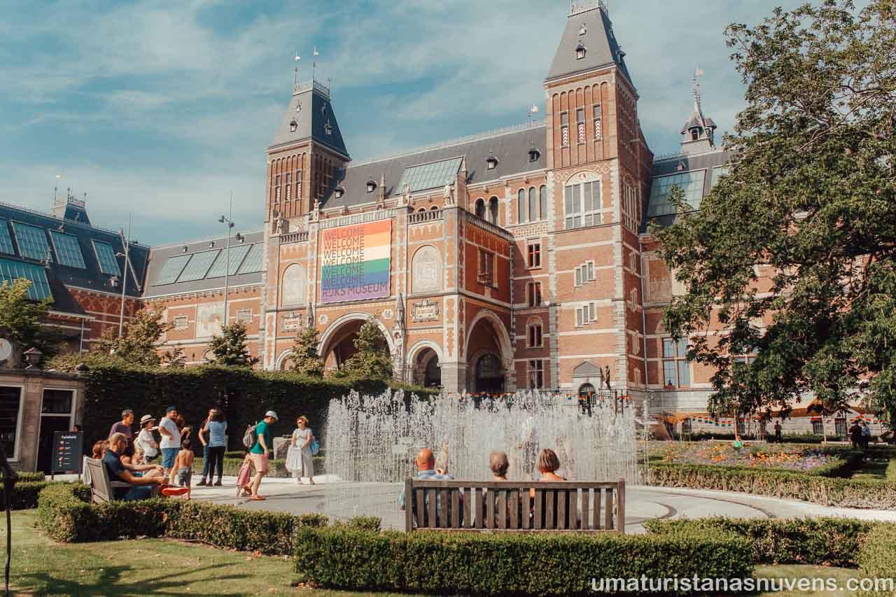 Passeios gratuitos em Amsterdam - jardins do Rijksmuseum
